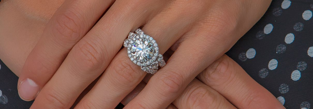 Fabulous Round Diamond Engagement Ring