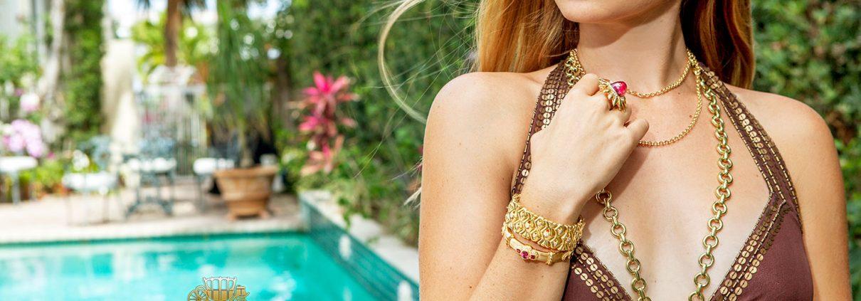 Glamorous 18K Gold Jewelry