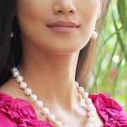 Classic and Stylish White Freshwater Pearl Necklace