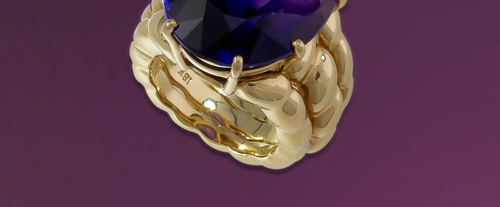 Flowing Lines 18K Amethyst Ring