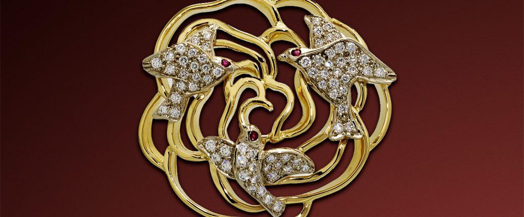 The Dove Diamond Pendant